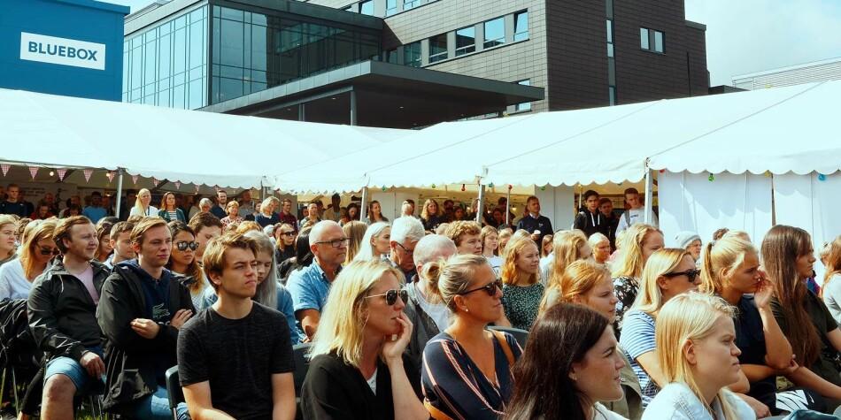 Fra studiestart for studentene på campus Grimstad, Universitetet i Agder. Foto: UiA