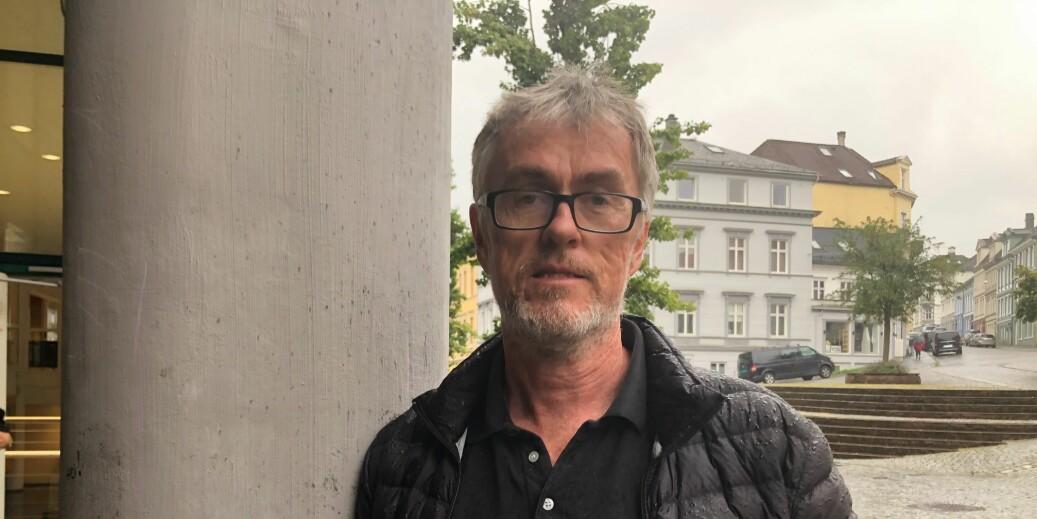 — Larsen hadde helt til i sommer forbud fra arbeidsgiver mot å vitse om tyskere på forelesninger, sier Steinar Vagstad.