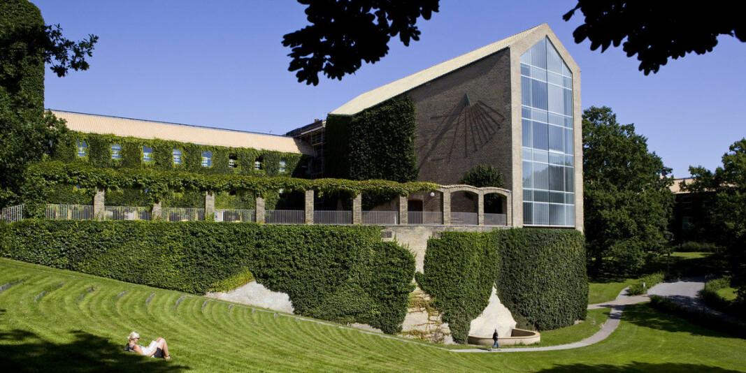Flere er smittet etter et fadderarrangement ved Universitetet i Aarhus. Bildet er av aulaen ved universitetet.