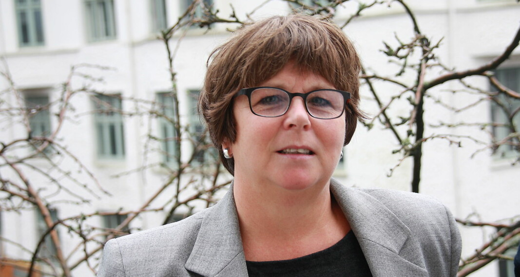 Faglig leder i Holbergprisen, Ellen Mortensen, vil ha dokumentasjon fra kritikerne på at det hun har sagt er faktisk feil.
