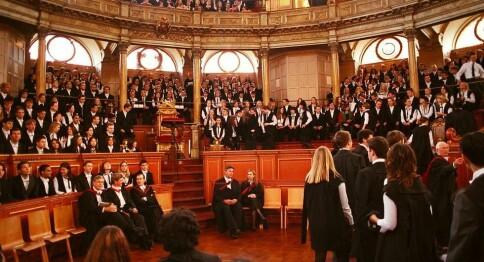 Oxford fryktar for studentane — vil beskytte mot kinesisk tryggleikslov