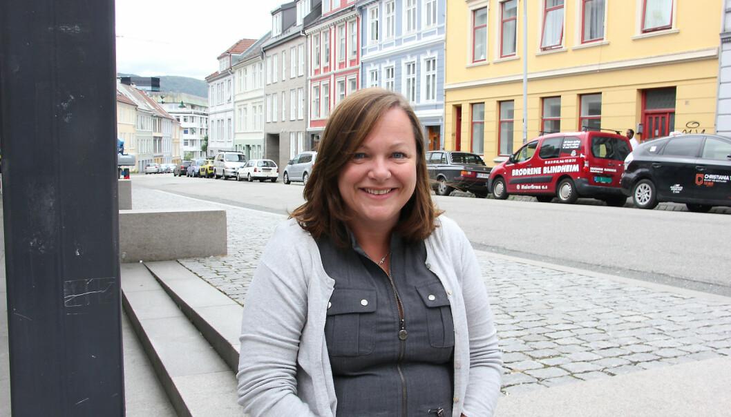 Professor Christine M. Jacobsen skal leia eit tverrfagleg prosjekt som ser på kva venting betyr for irregulære migrantar. Kva betyr dette for helsa deira? Og forintegreringa?