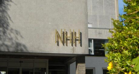 To NHH-studenter smittet av koronaviruset