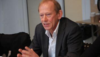 Dekan Jan Erik Askildsen vil gå inn med tre stillinger fra Det samfunnsvitenskapelige fakultet dersom det blir et nytt, stort institutt.