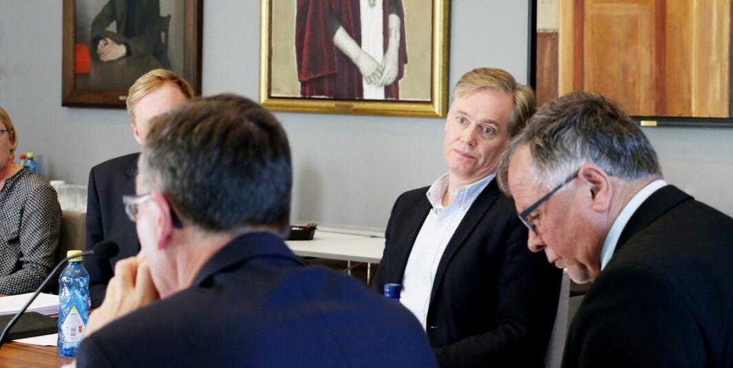 Bjørn Østbø er styreleder i Vestlandets innovasjonsselskap. Her fra et styremøte ved Universitetet i Bergen.