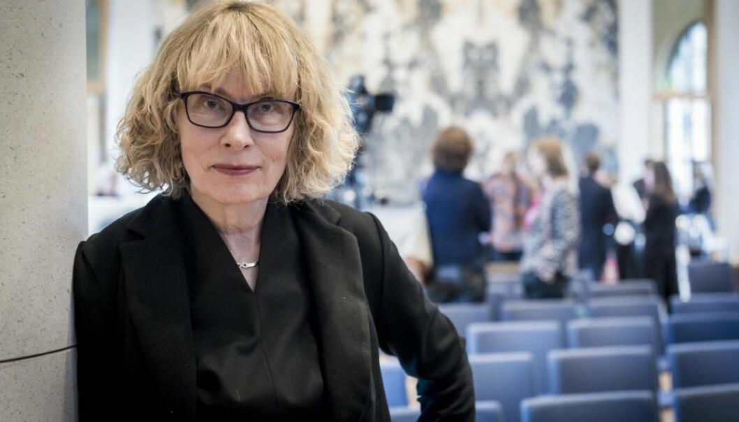 Litteraturprofessor Toril Moi bor og arbeider i USA. nå vil hun hjem til Norge og sin 93 år gamle far, som nylig har vært alvorlig syk. Det er ikke mulig uten å først bo på karantenehotell.