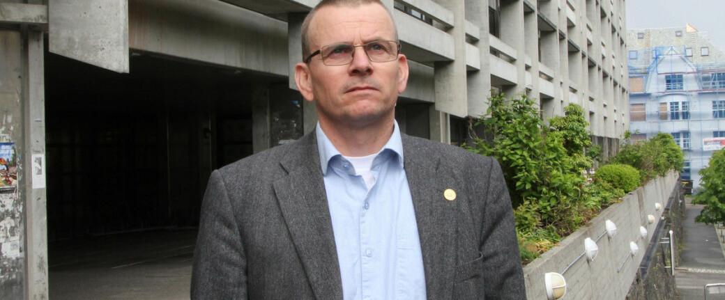 Helge Dahle er dekan ved Det matematisk-naturvitenskapelige fakultetet. Fakultetsstyret ved fakultetet har nå varslet at en ansatt vil bli oppsagt. Den ansatte har klagerett.