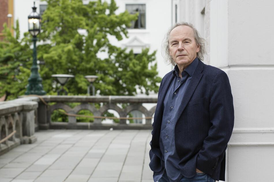 — Jeg tar ikke sikte på skape kontroverser. Jeg er snarere opptatt av det motsatte, sier professor Terje Tvedt. Nå er han klar for seks forelesninger mot historieløshet. Foto: Silje K. Robinson