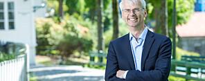 Rektor ved NHH, Øystein Thøgersen, seier at skulen har lykkast med mykje lokalt, men manglar ein heilskapeleg strategi for klimatiltak. Foto: EivindSenneset