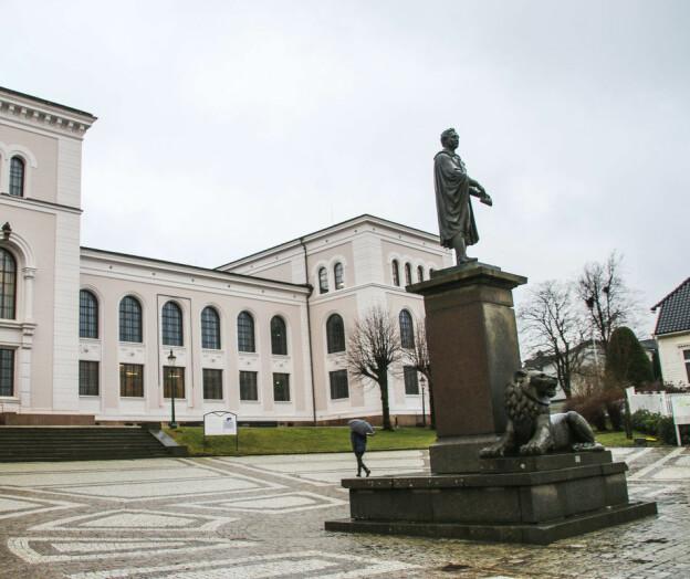Professor leverte falske reiseregninger — tiltalt for grovt bedrageri