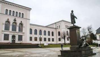 Dei som kan, skal jobba heimefrå — avlyser all fysisk undervisning i Bergen