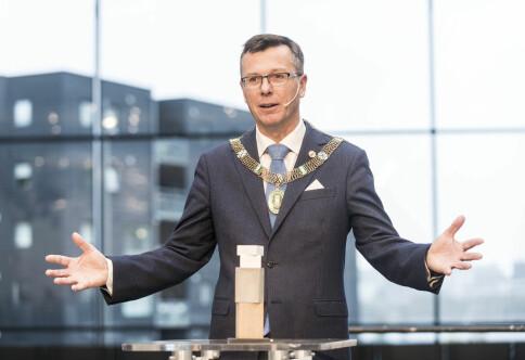 Rektor Dag Rune Olsen etterlyser meir innovative innkjøp
