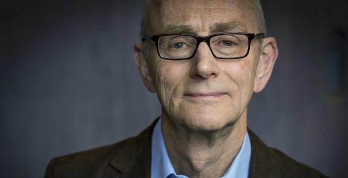 Professor emeritus Jan Fridthjof Bernt sier at det er mulig, men også utfordrende å endre modell midt i en rektorperiode.