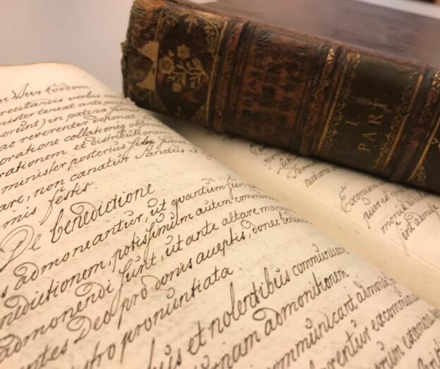 Hvordan lærer studenter å skrive akademiske tekster?