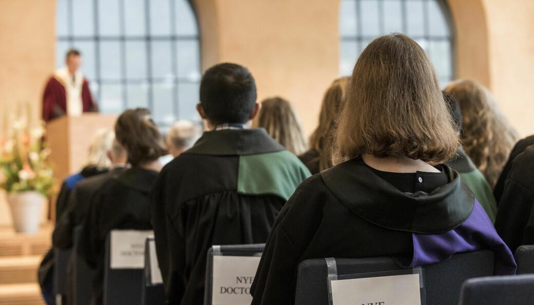 Stipendiatar er tilsett for tre eller fire år. Men det siste snart halvanna året har stipendiatar møtt mange hinder, og ved Universitetet i Bergen rapporterer no nær 90 prosent at dei er forseinka med doktoravhandlinga si.