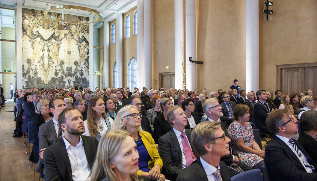 Universitetsaulaen ved Universitetet i Bergen har plass til mange. No vert det styremøte der, og til hausten vil truleg nokre studentar få undervisning der.