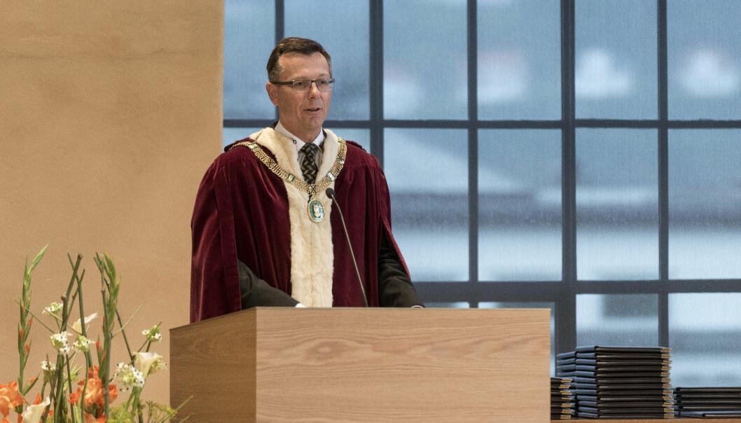 Dag Rune Olsen er oppteken av at det må finnast fleire aktuelle kandidatar ved Universitetet i Bergen. Sjølv kan han ikkje vert vald som rektor ein gong til.