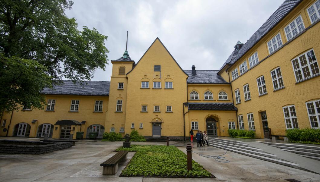 Det er i og rundt disse bygningene ved Universitetet i Bergen en tidligere student skal har opptrådt upassende, noe som har resultert i besøksforbud. Foto: Tor Farstad