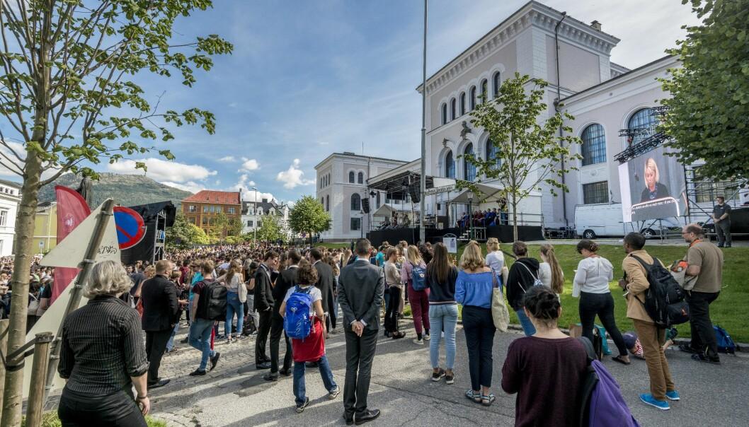 Slik så det ut da studieåret 2018 startet ved Universitetet i Bergen. Nå nærmer det seg søknadsfristen for oppstart til høsten.