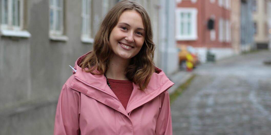 3.-kandidat Line Fjørstad i Trondheim MDG skriver at borgerlønn ikke kan løse alle utfordringer, men at det vil være et viktig bidrag til å sikre velferd og livskvalitet på en bærekraftig måte. Foto: Eline Hansen Næset