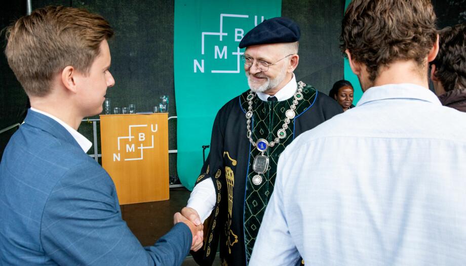 Å ivareta lønna til sentrale tillitsvalgte er viktig, mener NMBU-rektor Sjur Baardsen. Foto: Håkon Sparre