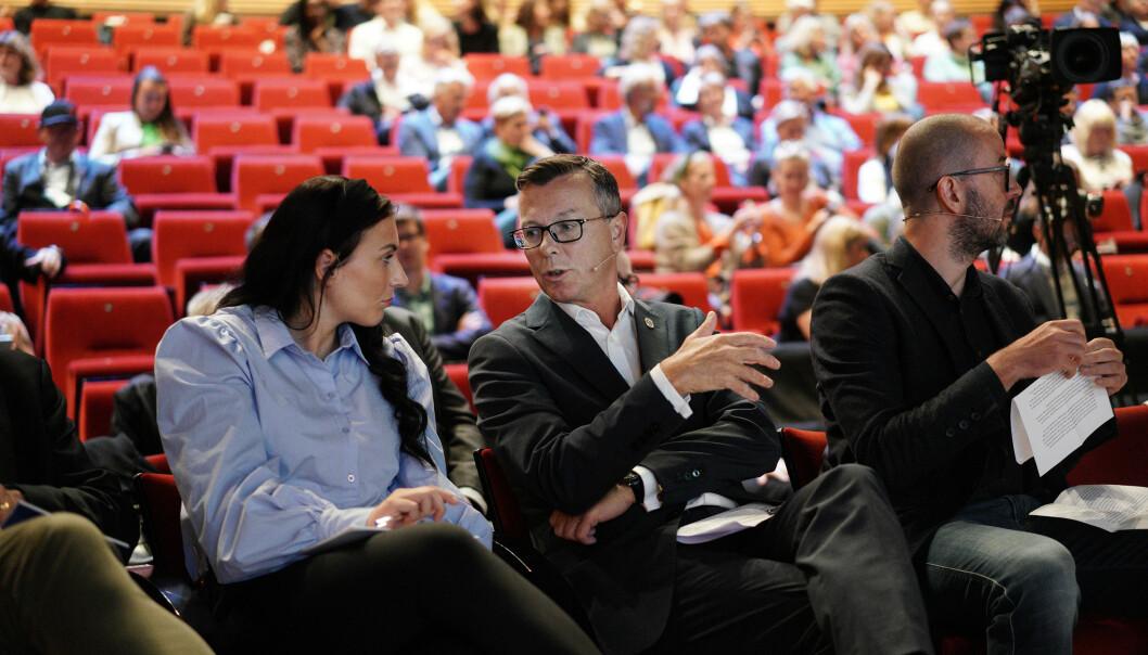Marte Øien og Norsk studentorganisasjon har noen gode råd til rektorer, som blant annet Dag Rune Olsen ved Universitetet i Bergen, om å stille krav til seg selv i et klimaopprop. Foto: Ketil Blom Haugstulen