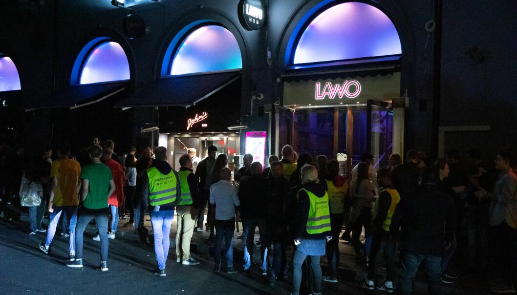Faddervakter i Oslo sentrum fredag. Foto: Mina Ræge