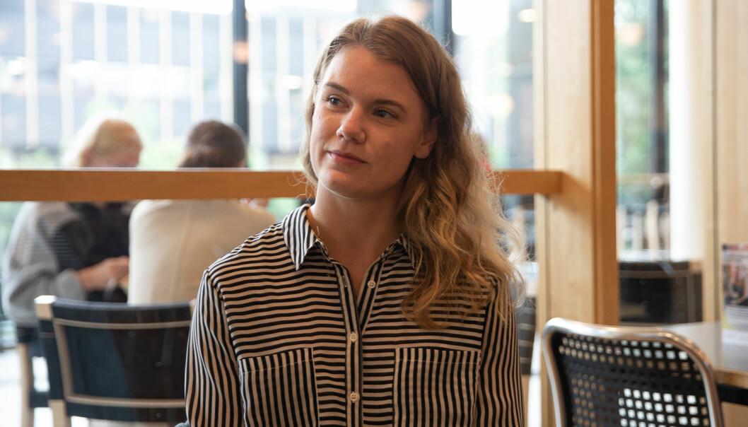 Skrivementor ved Akademisk skriveverksted på UiO, Kristin Hansen, sier det er lurt på bruke de første semestrene på å finne ut hva slags studieteknikker som fungerer for en selv. Så er det alltid lurt å begynne å jobbe tidlig i semesteret. Foto: Mina Ræge