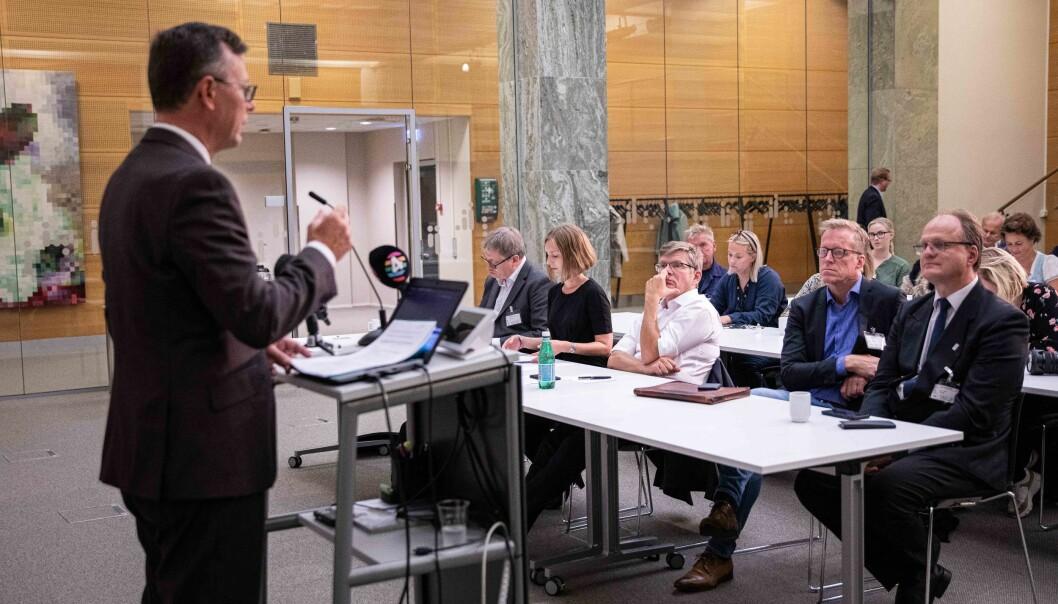 UHR-leder Dag Rune Olsen på pressekonferansen. Foto: Siri Øverland Eriksen