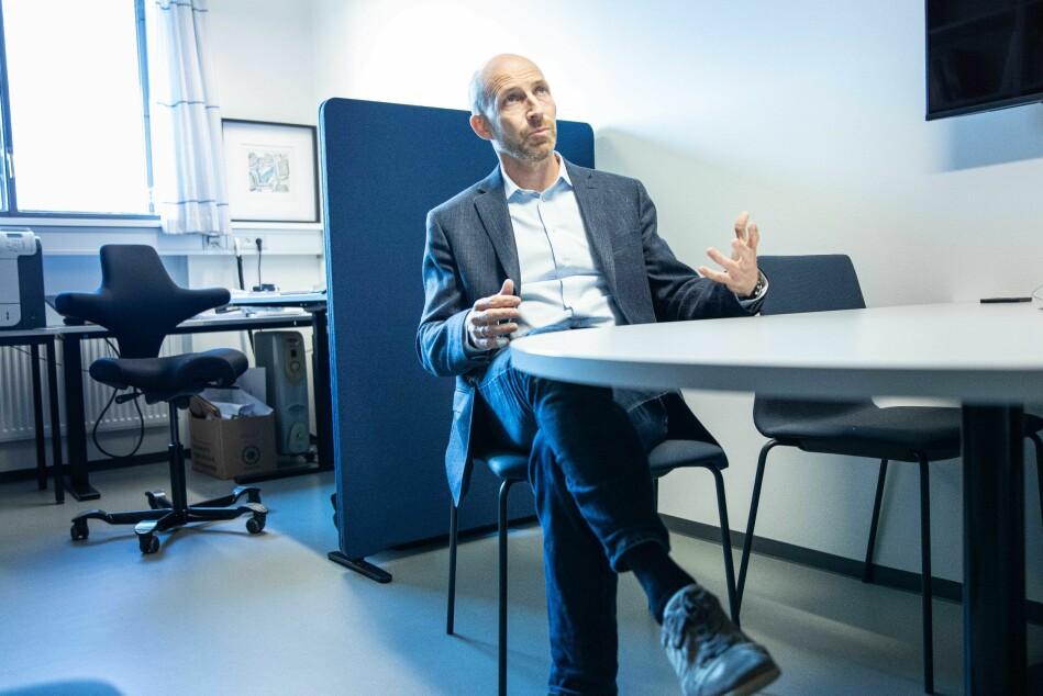 Professor i fysikk, Anders Malthe-Sørenssen, var en av de som tok initiativet til honours-programmet. Han sier de ønsket å tilrette for studenter som ikke følte seg utelukkende matematiker eller utelukkende humanist. Foto: Siri Øverland Eriksen