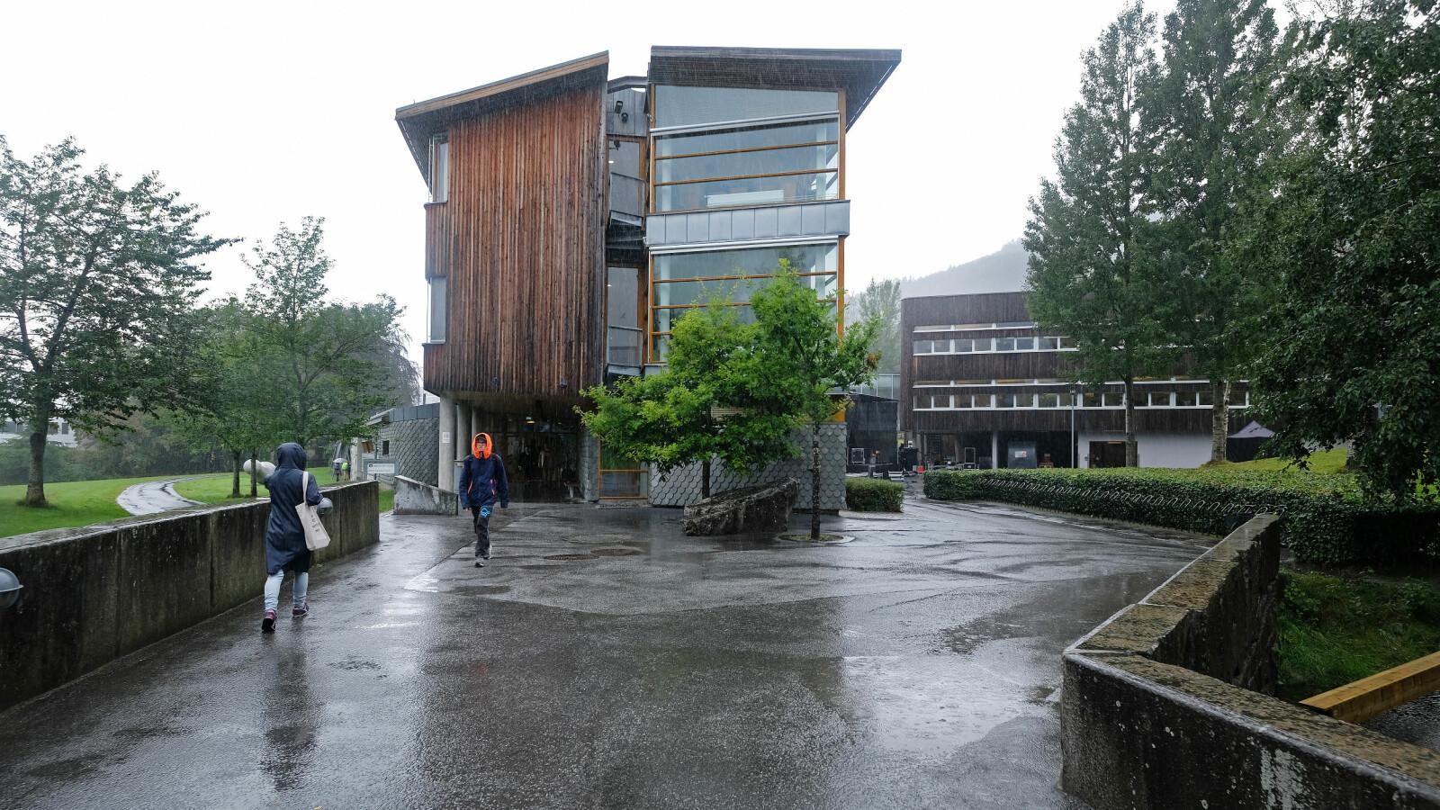 Berte Kanutte-bygget, der administrasjonen ved Høgskulen i Volda holder til. Foto: Øystein Torheim