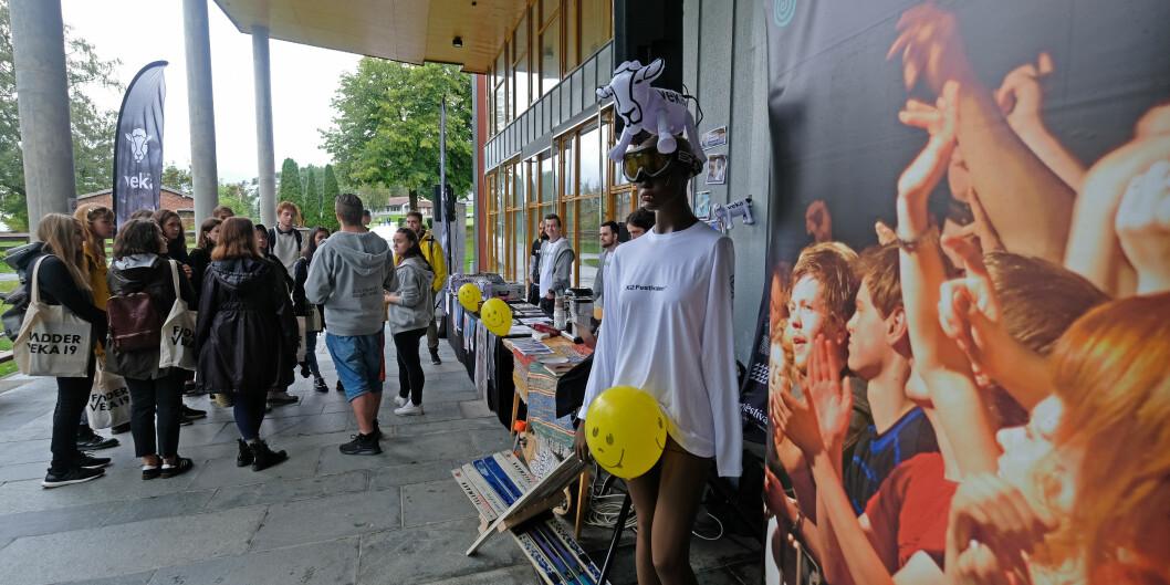 Fadderveke og semesterstart i Volda i 2019. Semesterstart vil verta annleis i år, men høgskulen ønskjer at alle studentar skal få tilbod om noko fysisk undervisning på campus eller i lokale høgskulen leiger.