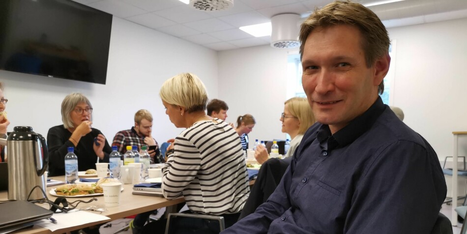 Professor ved Universitetet i Bergen, Eivind Kolflaath takker ja til elitestudium, men ikke på grunnlag av karakterer fra videregående. Foto: Dag Hellesund
