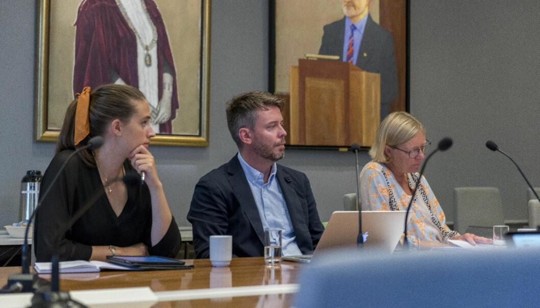 Lise Carlsen (til venstre), her frå eit fysisk styremøte, reagerer på at fleire fakultet framleis gir studentane tilbakemelding på eksamen altfor seint.