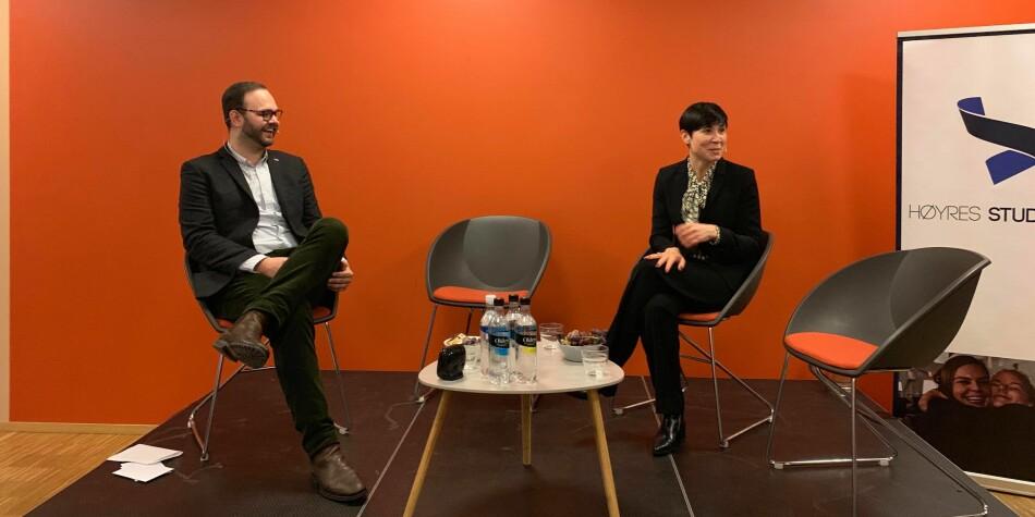 Innleggsforfatter Carl Christian Grue Solberg med utenriksminister Ine Eriksen Søreide i utenriksdebatt. Foto: Høyre