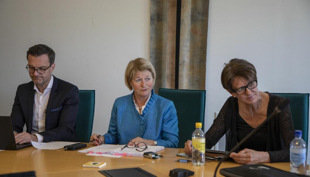 Universitetsdirektør Jørgen Fossland, rektor Anne Husebekk og prorektor Wenche Jakobsen har fått fart på pengebruken på universitetet