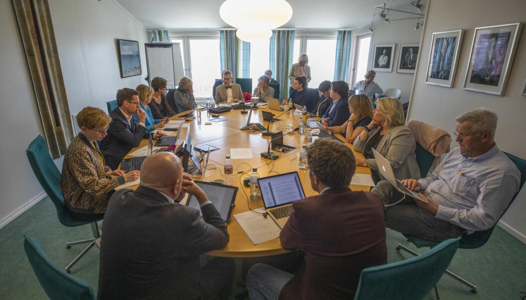 Styret ved UiT vedtok med 6 mot 5 stemmer i juni at ny rektor skal ansettes, og ikke lenger velges blant ansatte og studenter.