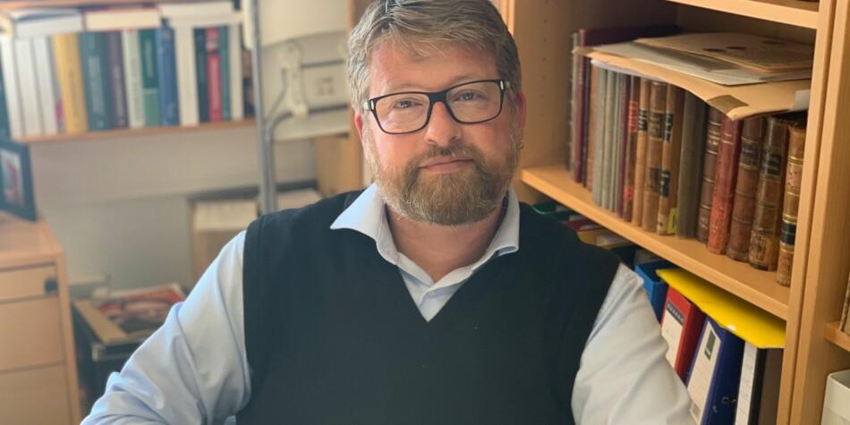 Professor Jørn Øyrehagen Sunde har undervist mykje, forska mykje og formidla mykje. Foto: Hilde Kristin Strand