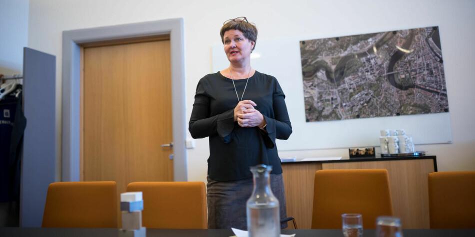 Dekan Anne Kristene Børresen mener at det ikke er begått formelle feil i ansettelsesprosessen på NTNU, men at de har mye å lære av det som skjedde da 10 av 10 ledige stillinger ble besatt av menn. Foto: Skjalg Bøhmer Vold
