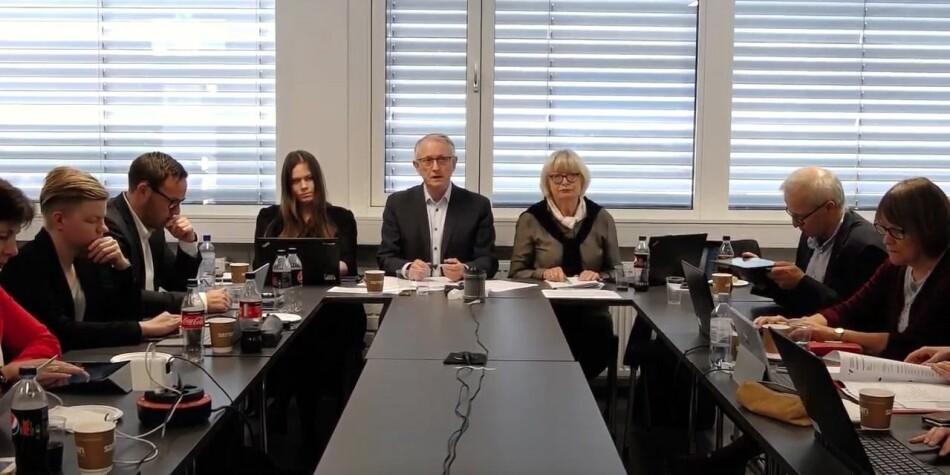 Styret ved Høgskulen på Vestlandet, blant dei styreleiar Arvid Hallén og rektor Berit Rokne, diskuterte i dag ulike tiltak for å auke rekrutteringa til grunnskulelærarutdanninga trinn 1-7.