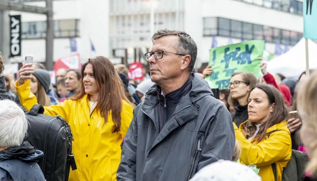 Klimademonstrasjon på Torgallmenningen i 2019. Studentrepresentant Gard Skulstad Johanson kom med forslag i universitetsstyret som gjør at klima blir vektlagt i UiBs anskaffelsesstrategi.