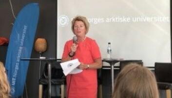 Rektor Anne Husebekk under lansering av klimaopprop mot seg sjølv og andre universitetsleiarar i Arendal i august. Foto: Marit Hansen, UiT