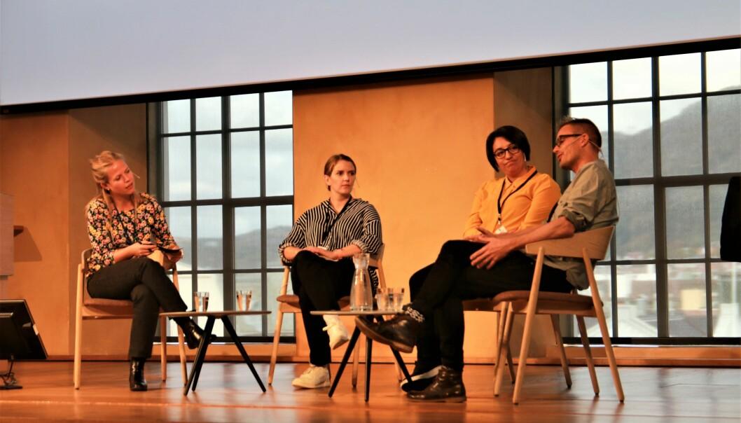 Tiril Rustand Halvorsen i samtale med Mari Skåra Helleisen, Katherine Duarte og Martin Hultmann på Sampolkonferansen. FOTO: Jan Willie Olsen