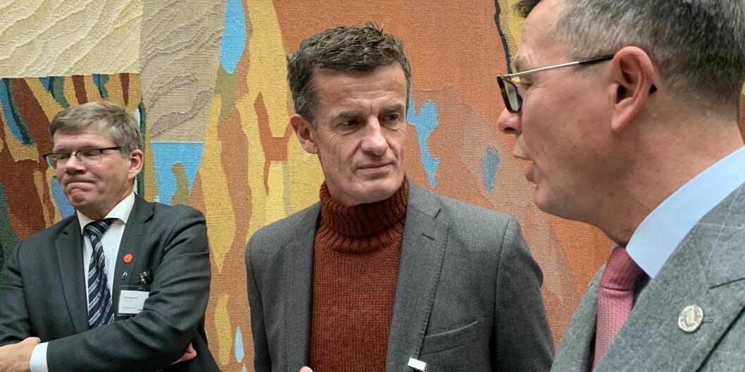 Rektor ved Universitetet i Stavanger, Klaus Mohn (i midten) sammen med Svein Stølen, Universitetet i Oslo (t.v.) og Dag Rune Olsen, Universitetet i Bergen. på Stortinget under framlegging av statsbudsjettet 2020. Foto: Øystein Fimland