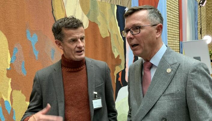 UiS-rektor Klaus Mohn og dåverande UiB-rektor Dag Rune Olsen i samtale. Desse to samtala òg om medisinutdanning. Vilje til konstruktiv dialog, er dommen frå Mohn.