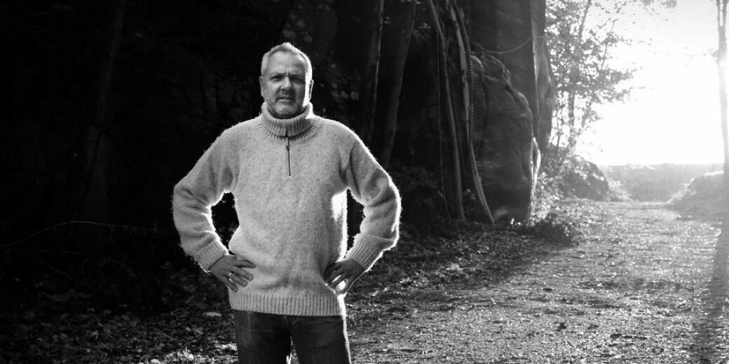 Preben Aavitsland er en del av Ledelse og stab for smittevern, miljø og helse i Folkehelseinstituttet. I september 2019 søkte han på en 20 prosent stilling som professor ved Universitetet i Oslo. Resten er historie.
