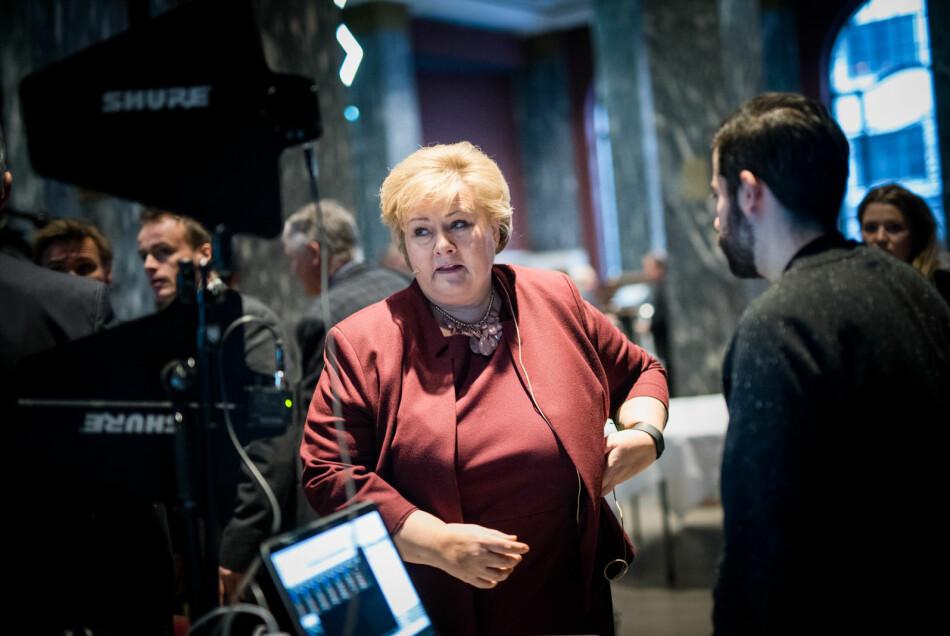 Statsminister Erna Solberg og regjeringen hennes uttrykker ifølge innleggsforfatter en forventning om at forskningsresultater skal tas i bruk og komme samfunnet til nytte. Foto: Skjalg Bøhmer Vold