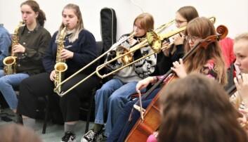 Jenter fra hele landet var samlet til kurs i jazz på Bergen. Håpet er at noen av dem skal velge jazzstudier senere. Foto: Jan Willie Olsen