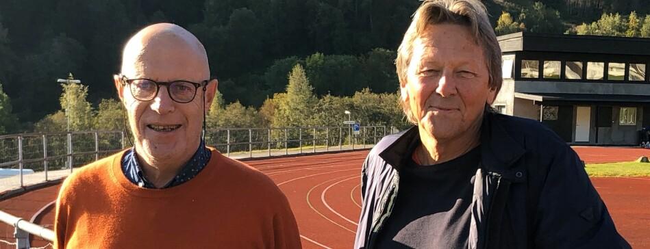 Georg Arnestad (t.v.) og Terje Bjelle sto på kvar si side i fusjonsdebatten på Vestlandet i 2016, men på 80-talet var dei samde om at det ikkje burde vere ein høgskule på kvart nes. Foto: Tove Lie