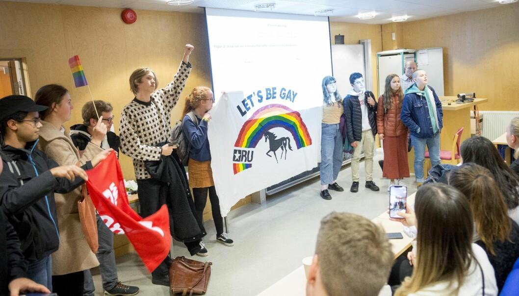 Rød Ungdom demonstrerte under møtet på NLA Høgskolen. Foto: Tor Farstad